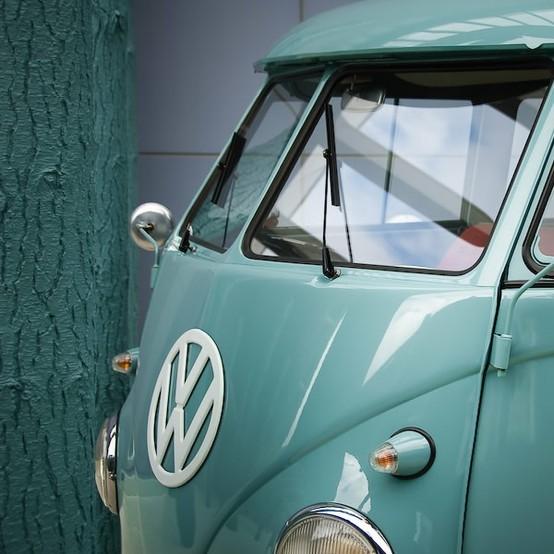 furgoneta clásica azul