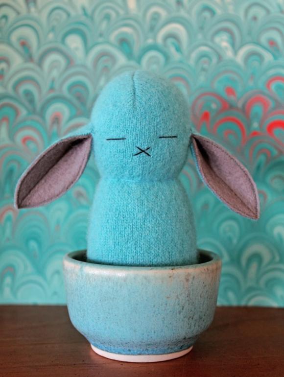 peluche conejito azul