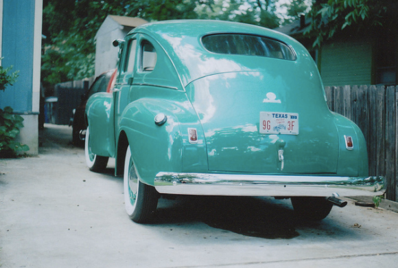coche clásico azul
