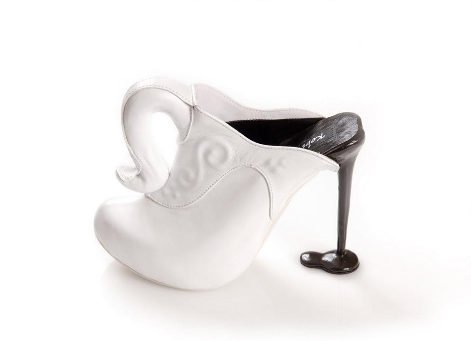 zapatos jarra de cafe