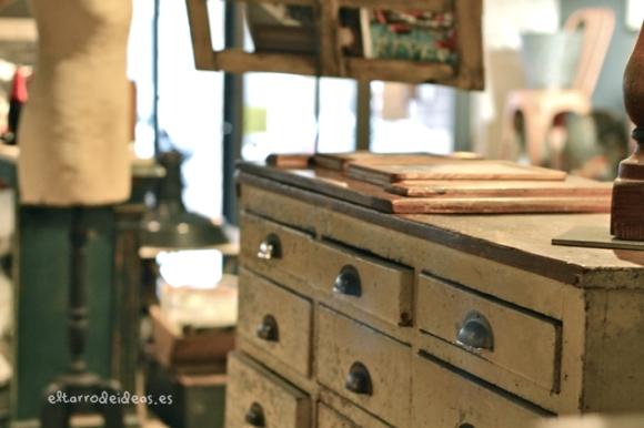 De paseo por madrid descubrimientos geniales el tarro de ideas - Muebles originales madrid ...