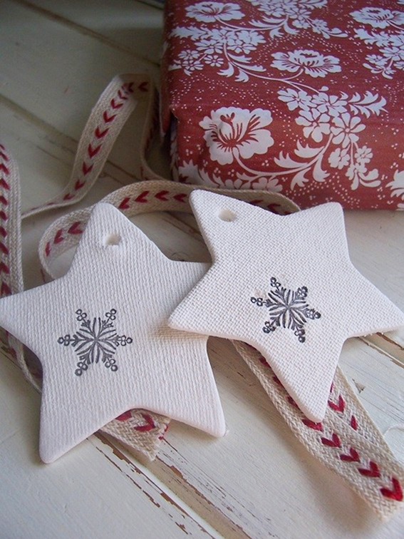 christmas-stars-of-your-tree-wrapping-or-table-setting