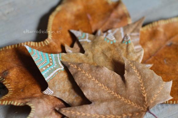 hojas secas en etiquetas regalo