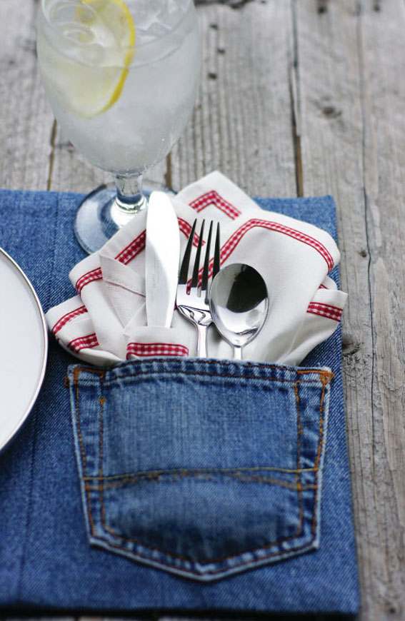 upcycled-denim-placemats-1