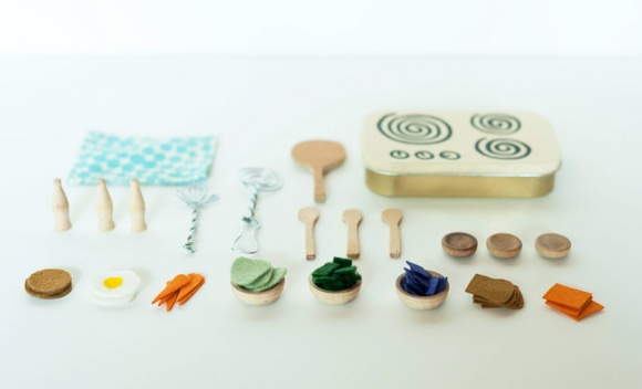 Made-by-Joel-Miniature-Kitchen-Mint-Tin-Play-Set-1-crop